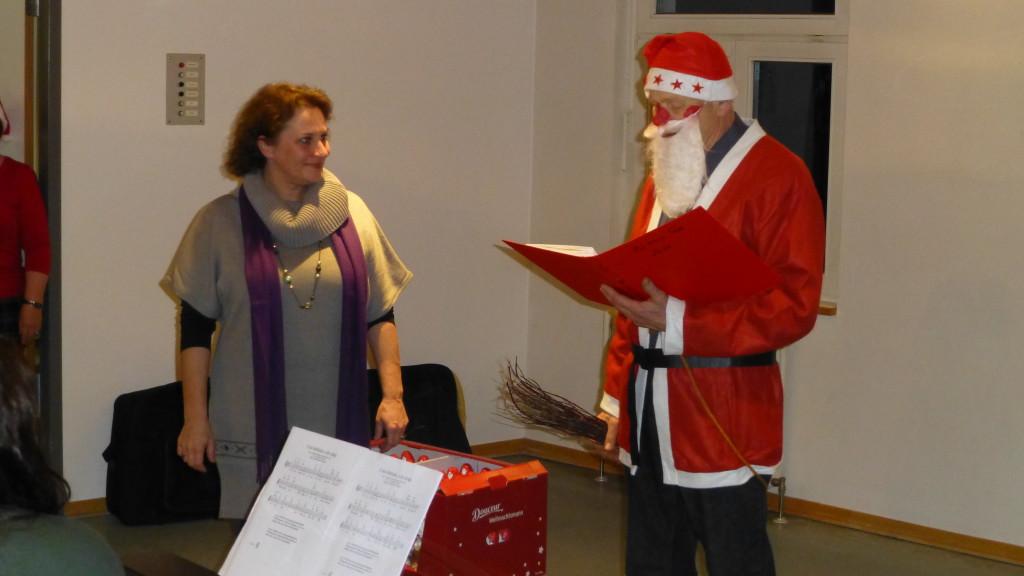 Silvia Tollkien bekommt ihr Geschenk
