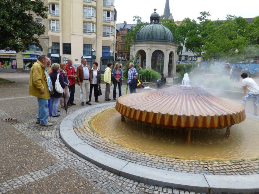 Interessantes am Kochbrunnenplatz