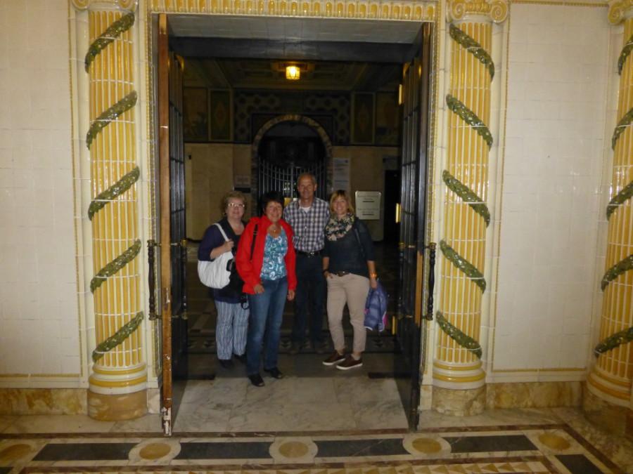 In der Eingangshalle der Kaiser-Friedrich-Therme
